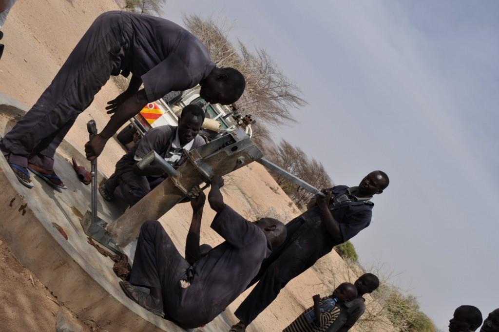 Jednoduché opravy zvládnu aj členovia komunity, na komplexnejšie opravy zavolajú vodný tím