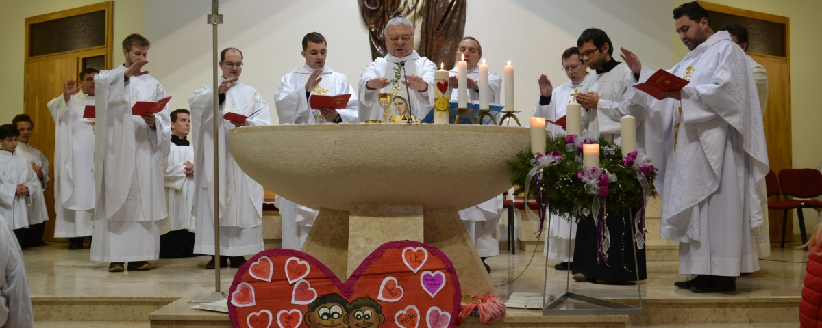 Vysielacia svätá omša s otcom biskupom Galisom v Žiline, archív Dobrej noviny, 2015