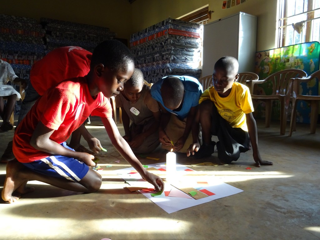 Mozaiková modlitba - každý je jedinečný, Buikwe 2017