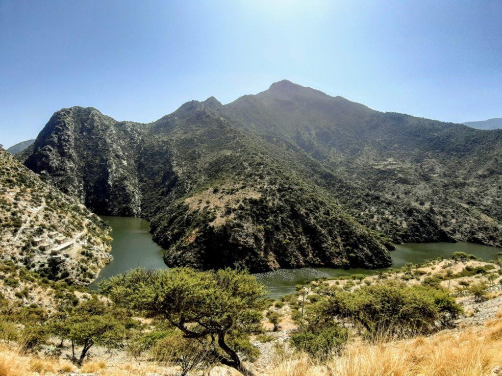 Rieka v horách na ceste do Aliteny